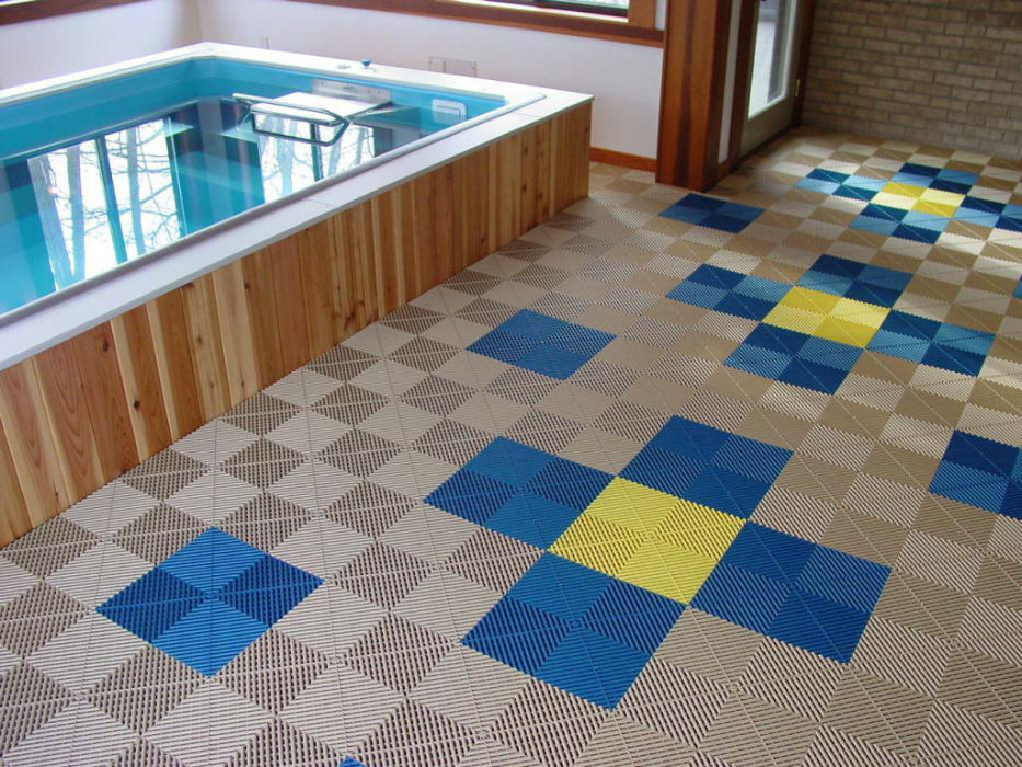 Interlocking floor tiles for garage